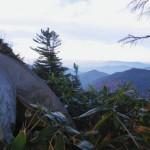 赤土居山南方標高2,035mでテント泊