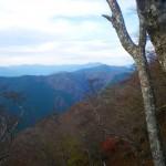 三嶺、綱附森方面を望む