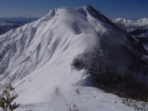 鎌ヶ岳をふり返る